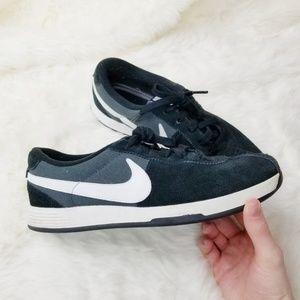 Nike|Luna Bruin Gold Shoes Black & White Sneakers